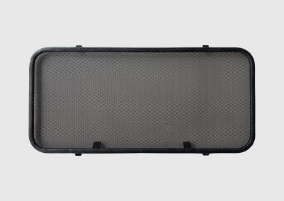 zanzariera oblo 400 x 800 acciaio inox colore nero.